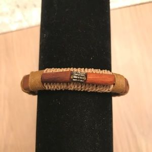 Jewelry - NWOT Brown Leather & Beads Diffuser Bracelet